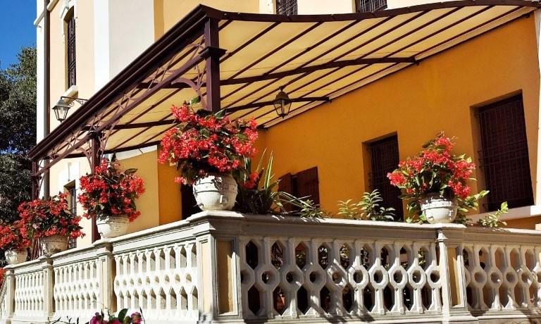 Arquati Rapallo   Gazebi autoportanti o addossati. gazebi pergole ...